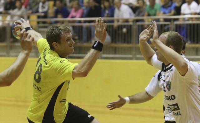 David Miklavčič je najbolj izkušen rokometaš v Gorenju. FOTO: Jože Suhadolnik