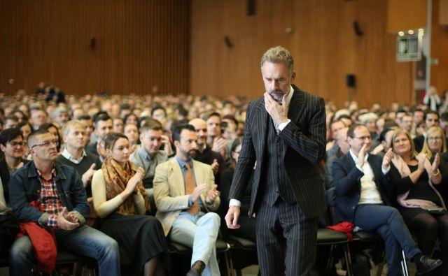 Kanadski klinični psiholog Jordan Peterson je novembra predaval v Ljubljani. FOTO: Jure Eržen/Delo
