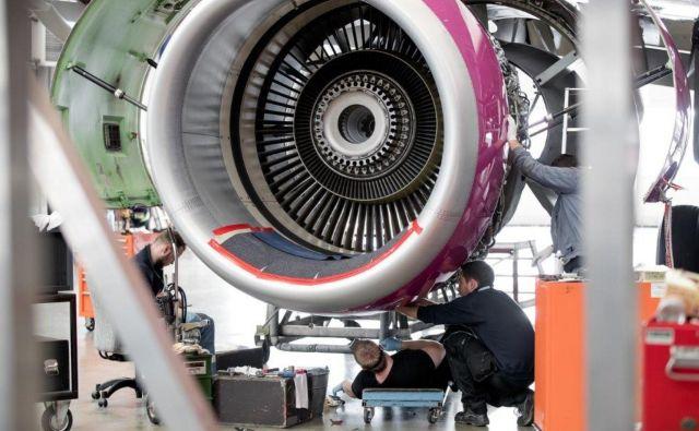 Pomembno je, da mehaniki poznajo, kako reagirajo materiali, s katerimi delajo. FOTO: arhiv Adrie Tehnike, Žiga Intihar