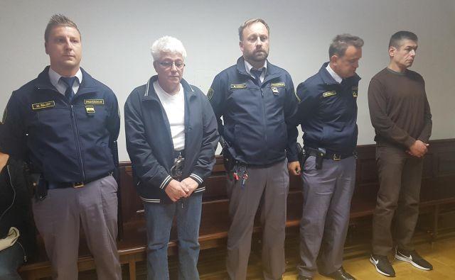 Franc Vajda (drugi z leve) in Andrej Bagari (desno) bosta morala sedeti zaradi smrti Srečka Marina. FOTO: Aleš Andlovič