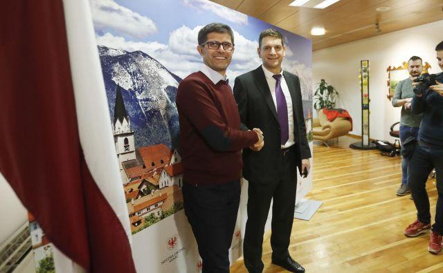 Zoran Stevanović in Matjaž Rakovec po prvem krogu volitev za župana. FOTO: Leon Vidic/Delo