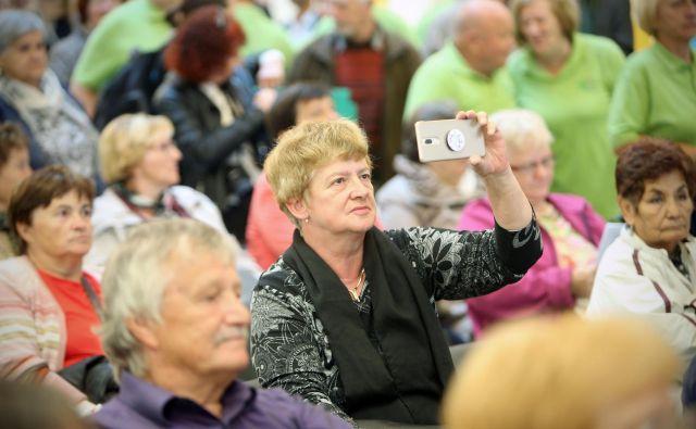 Dodatki, ki bodo sledili petim razredom pokojnin: od najnižjih pokojnin, ki se ustavijo pri 470 evrih, do tistih, ki presežejo 810 evrov.Foto: Jure Eržen