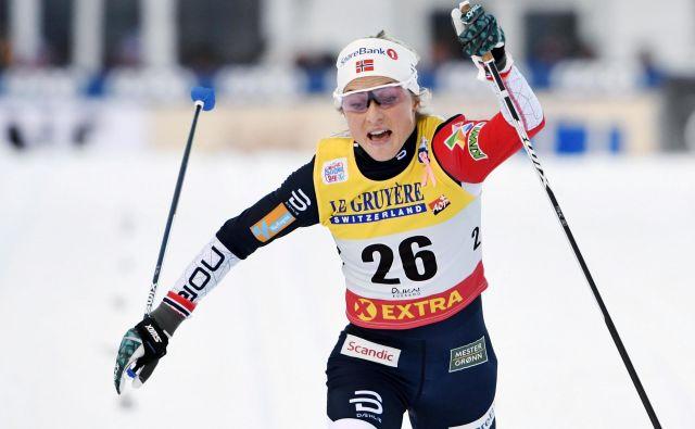 Therese Johaug je po letu in pol prisilnega počitka spet dominirala. FOTO: Vesa Moilanen/Reuters
