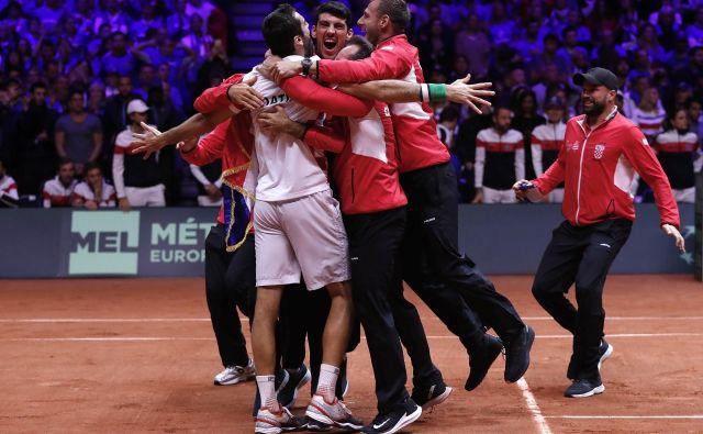 Veselje hrvaških tenisačev po velikem uspehu. FOTO: AP