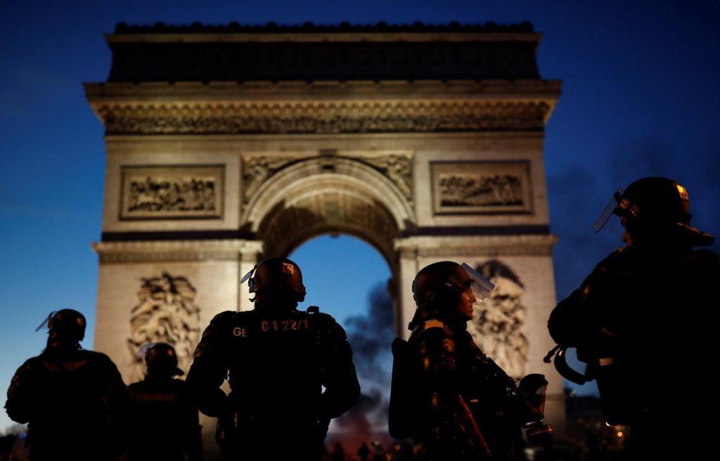 FOTO:Policija aretirala 130 protestnikov