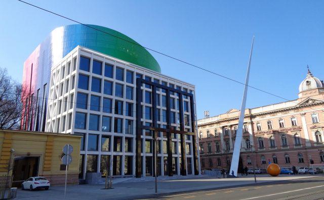 Arhitekta, ki je zasnoval Glasbeno akademijo, ki so jo odprli pred štirimi leti, so obtožili, da je mestni oblasti podtaknil prostozidarske simbole. FOTO: Wikipedia