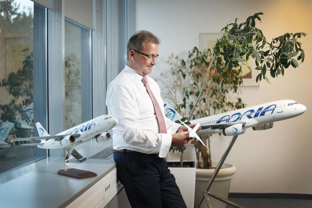 Adria Airways v najem suhojevih letal