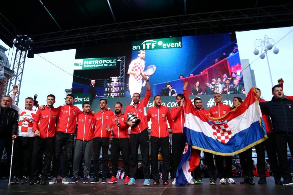 FOTO:Hrvaški tenisači dobili»nogometni« sprejem