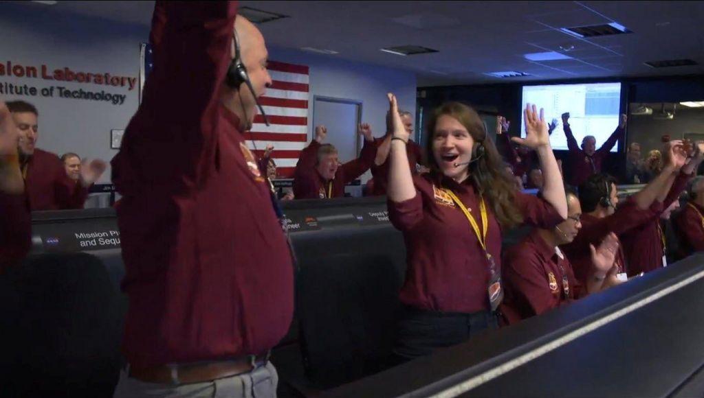 FOTO:Insight je uspešno pristal na Marsu