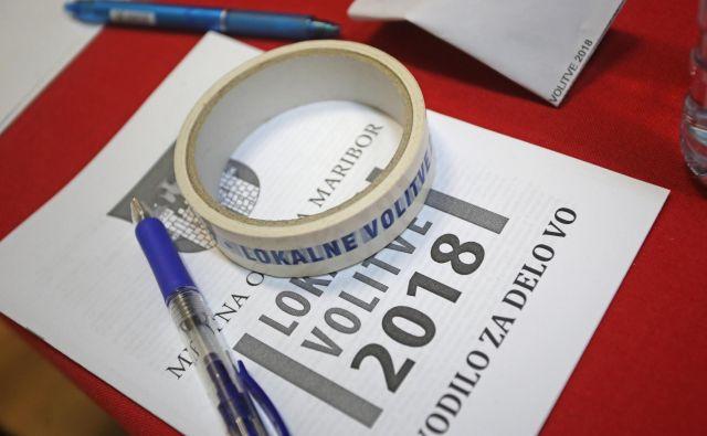 Občinske volilne komisije določijo, ali bo predčasno glasovanje potekalo en, dva ali tri dni, odvisno od velikosti volilnega telesa in preteklih izkušenj. FOTO: Tadej Regent/Delo