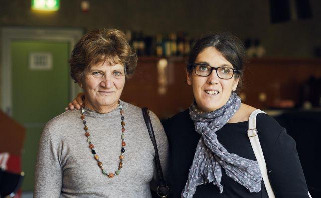 Bolnica s shizofrenijo Nataša z mamo. Foto Primož Bregar
