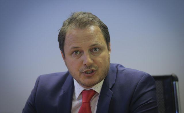 Gorazd Čibej, eden od ustanovnih članov stranke SMC, je dobil šestletni mandat na čelu Agencije za zavarovalni nadzor. Lani ni bil prvi strokovni kadrovski izbor tedanje finančne ministrice. Foto Jože Suhadolnik