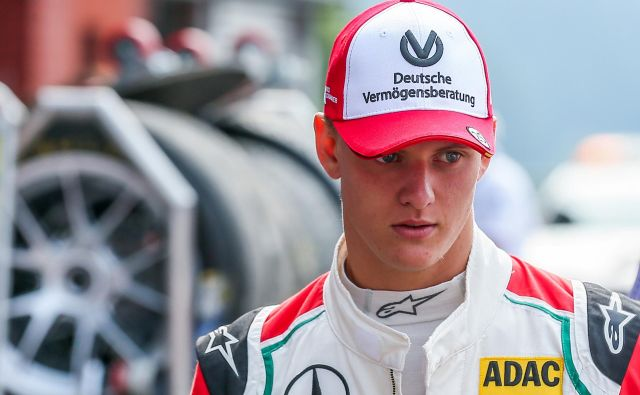 Mick Schumacher bo konec tedna testiral formulo 2 v Abu Dabiju. FOTO: Reuters