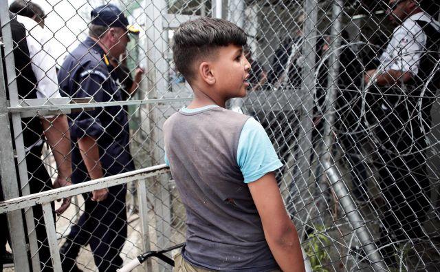 Po podatkih UNHCR je med begunci v Grčiji več kot 3600 otrok brez spremstva. FOTO: Reuters