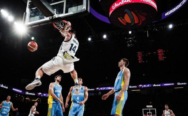 Lani je imela Slovenija recept za visoke Ukrajince, neustrašnega Gašperja Vidmarja. Foto FIBA