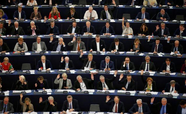 Projekcije kažejo, da bo v sestavi evropskega parlamenta prišlo do velikih premikov. Foto: Vincent Kessler/Reuters