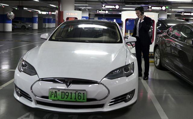 Da so najpomembnejši akterji pripravljeni sklepati kupčije, ni nič presenetljivega, saj je Kitajska največji avtomobilski trg na svetu. FOTO: AP