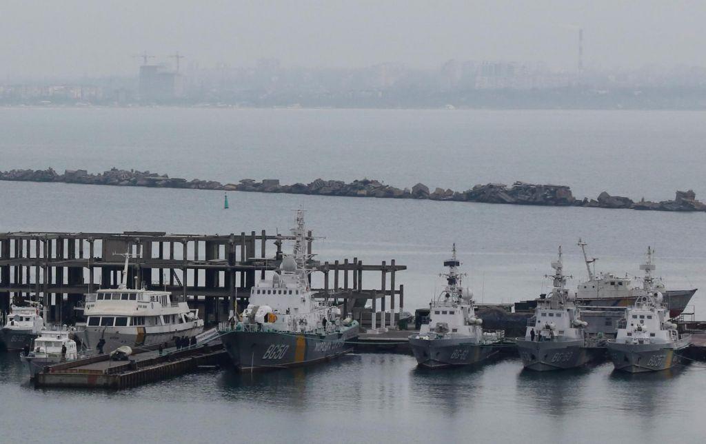 Porošenko Nato pozval k vojaški prisotnosti v Azovskem morju