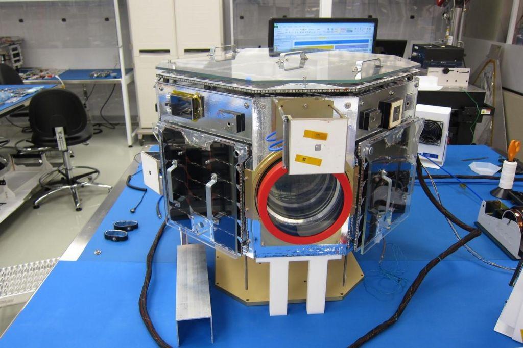Zelena luč za prvi slovenski satelit