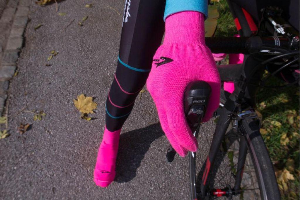 FOTO:Roza test: Rokavičke in galoše (oboje roza, seveda)