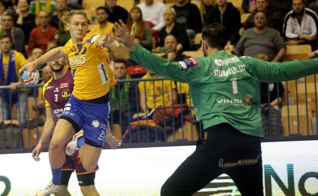 Tilen Kodrin je 48 sekund pred koncem tekme izvlekel veličastno točko. FOTO: Mavric Pivk/Delo