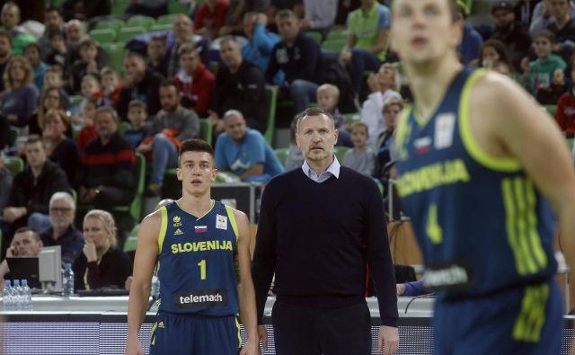 Rado Trifunović in Matic Rebec zaskrbljeno zreta v prihodnost. FOTO: Blaž Samec