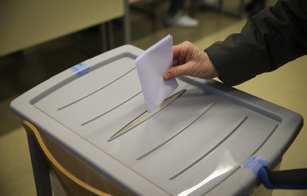 FOTO:Krivde za volilno zmedo v Kopru noče prevzeti nihče