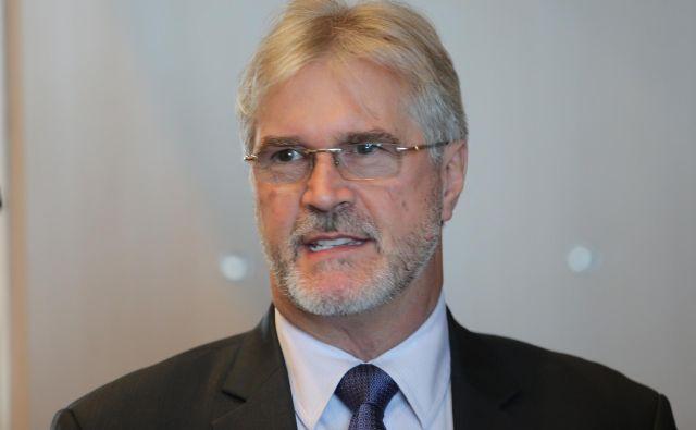 Kirurg Igor Gregorič, ki deluje po načelu, da neuspeh ne pride v poštev, je moral v Sloveniji priznati poraz. FOTO: Tomi Lombar