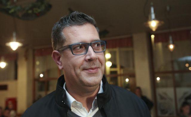 Aleš Bržan je po neuradnih podatkih Popoviča premagal za sedem glasov. FOTO: Jože Suhadolnik/Delo