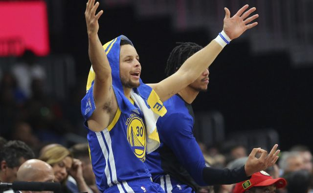 Steph Curry je takoj poživil igro Golden Stata. FOTO: AP