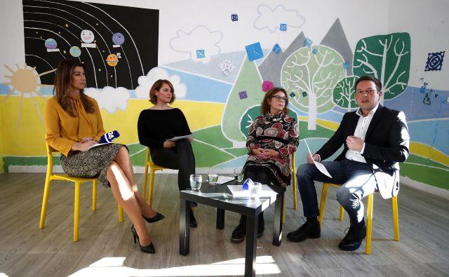 Sogovorniki okrogle mizePravo ali prav, ki je potekala v okviru projekta Veriga dobrih ljudi (Jani Muhič, Anita Ogulin,Nina Zidar Klemenčič in Dominika Švarc Pipan) FOTO: Pro Plus