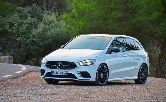 Mercedes B je sorodnik razreda A, a tudi v novi generaciji ohranja elemente na temo družinske uporabnosti.