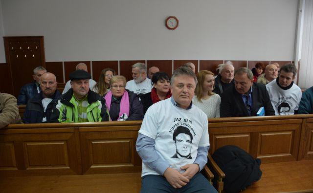 Novi župan Roman Leljak kljub breposelnosti, dokler ni bil izvoljen, ni bil brez dela. Kot pravijo, je polno zaseden s pisanjem knjig in predavanji o polpretekli zgodovini. FOTO: Oste Bakal