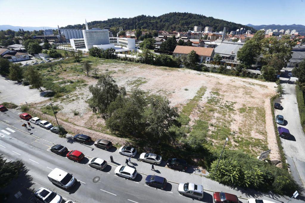 Zasoljene cene zemljišč v lasti DUTB preprečujejo gradnjo stanovanj