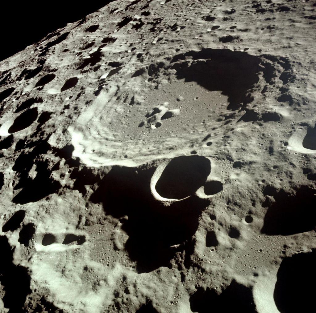 Kitajska sonda gre jutri na temno stran Meseca