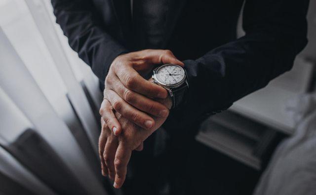 V novem zakonu med drugim piše, da je dovoljen delovni čas do 12 ur na dan ter da delavci in uslužbenci lahko delajo do 60 ur na teden. FOTO: Shutterstock