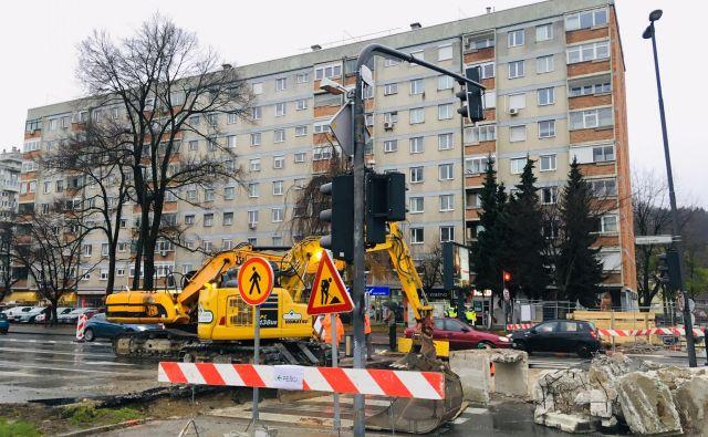 Dela na Celovški cesti FOTO: Jože Suhadolnik