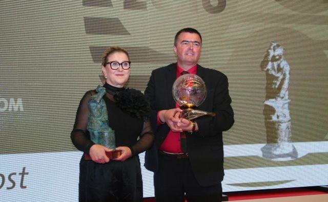 Mojca Trnovec in Peter Pišek sta postala obrtnica in podjetnik leta. FOTO: OZS