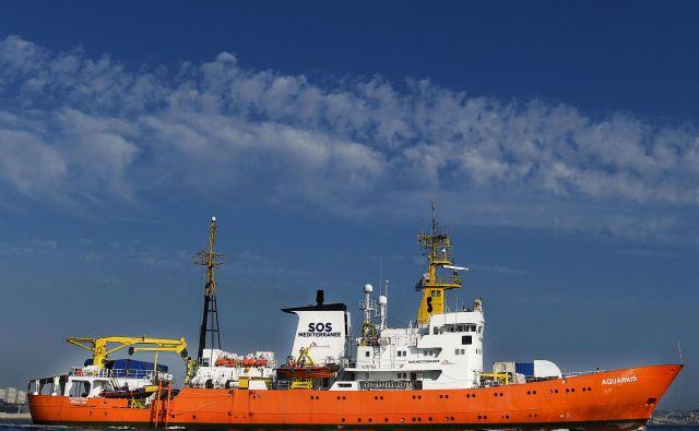 Reševalna ladja Aqaurius. FOTO: AFP