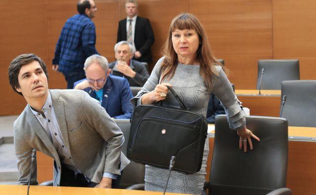 Luka Mesec je edini predstavnik Levice, ki se redno uvršča na lestvico najbolj priljubljenih politikov. Na fotografiji desno: Violeta Tomić. Foto Tomi Lombar