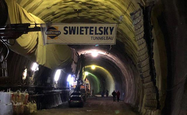 Swietelsky je zvrtal več kot 300 metrov predora na avtrijski strani. Foto Dars