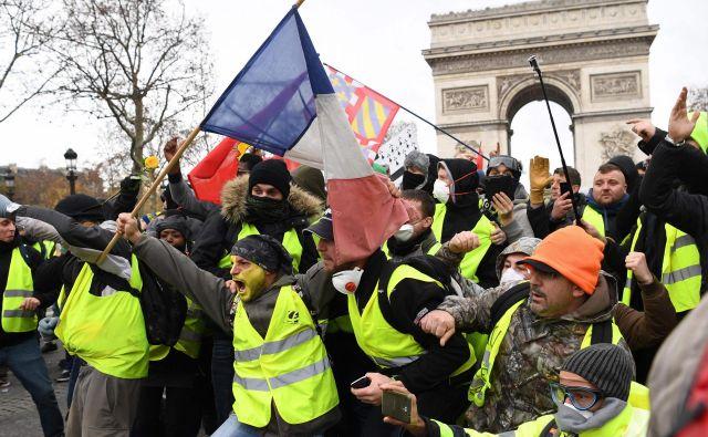 Proteste poskušata skrajni desnica in levica zlorabiti sebi v prid.Foto: Eric Feferberg/Afp