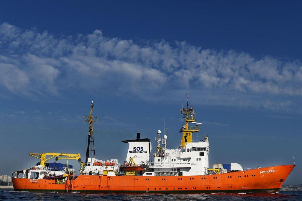 Evropa prepušča prebežnike tihotapcem in morju