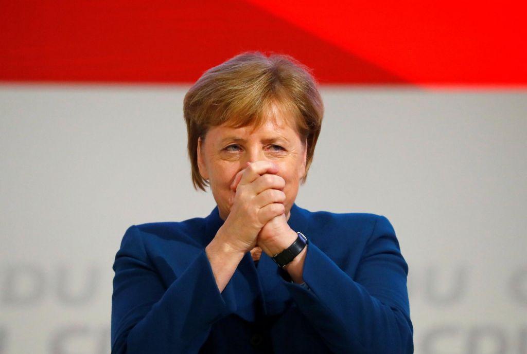 FOTO:Dolge ovacije in solze v očeh dolgoletne predsednice CDU (FOTO in VIDEO)