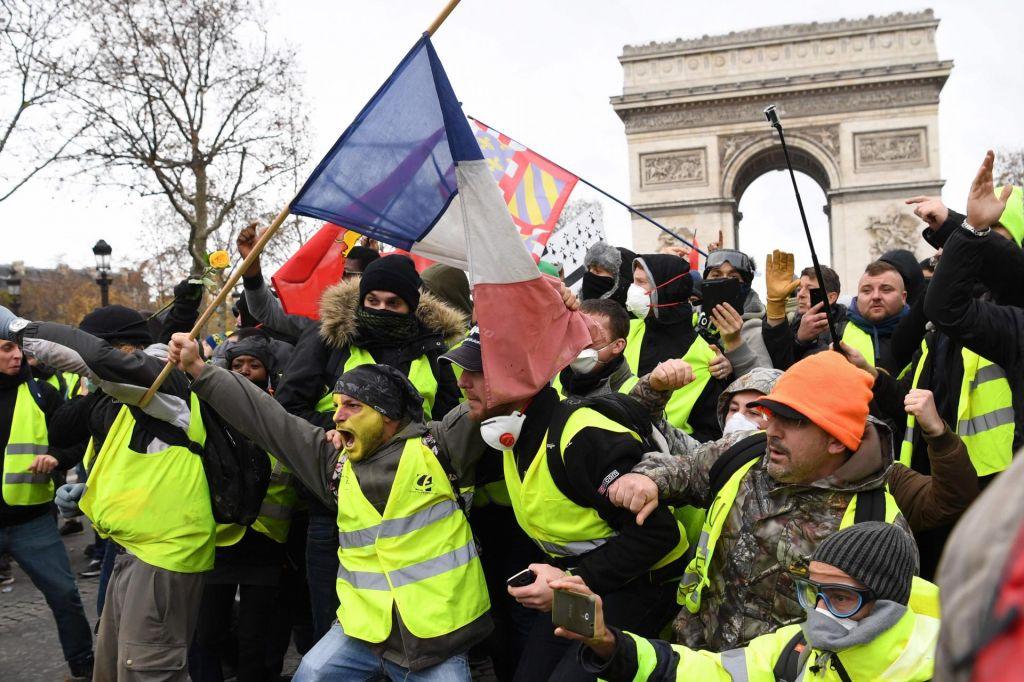 FOTO:Rumeni simptom močno razklane Francije