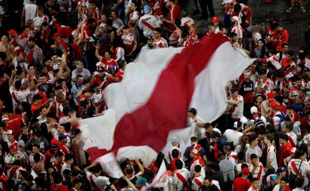 Slavje navijačev Riverja v Buenos Airesu. FOTO: Reuters