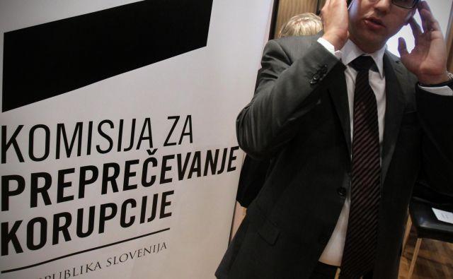 V KPK so zabeležili upad prijav sumov korupcije, zato so začeli reševati zadeve iz prejšnjih let. FOTO: Blaž Samec/Delo