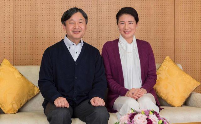 Princesa Masako na 55. rojstni dan z možem princem Naruhitom. FOTO AFP