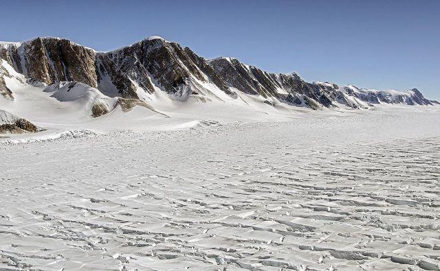 Ledenik na Vzhodni Antarktiki FOTO: NASA/Michael Studinger