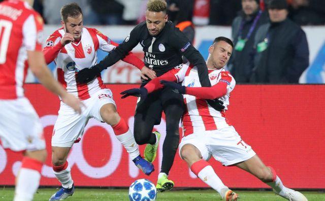 Najdražji nogometaš na svetu Neymar (v sredini) je bil v Beogradu eden od štirih pariških strelcev, PSG pa se je v osmino finala uvrstil kot zmagovalec najbolj izenačene skupine. FOTO: Reuters